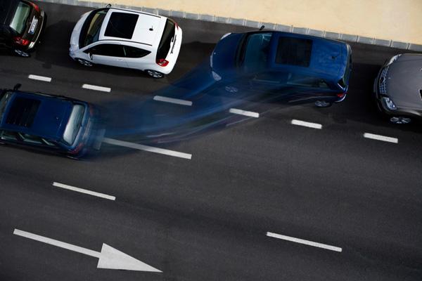 как правильно парковаться между машинами